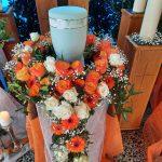 Urnenkranz orange, Gärtnerei Mühlfeit